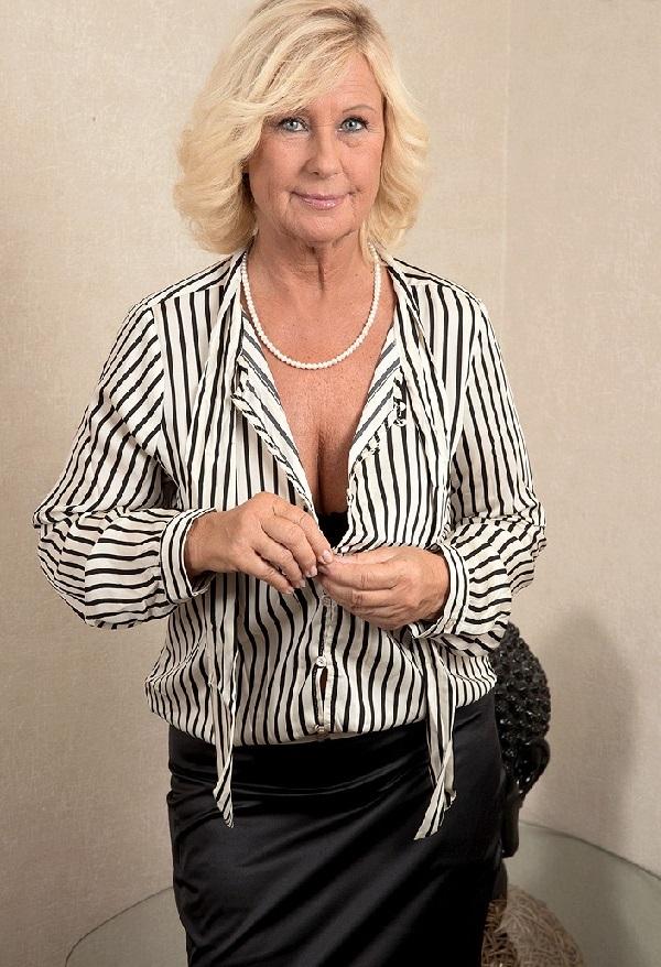 rijpe vrouw zoekt man priveontvangst grote borsten